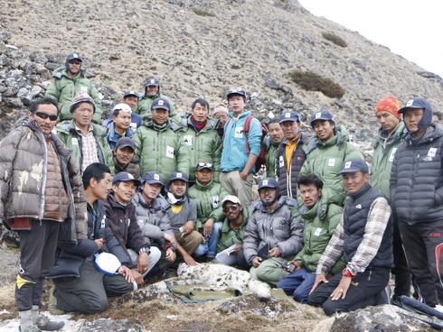 The group that helped to collar the snow leopard.