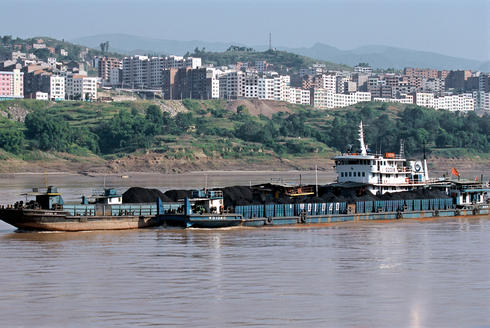 Barge going down the Yangtze