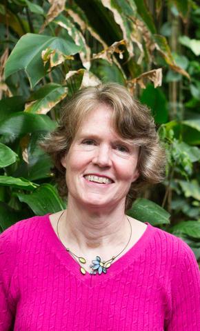 Meg Symington Headshot