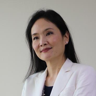 headshot of Natalie Phaholyothin