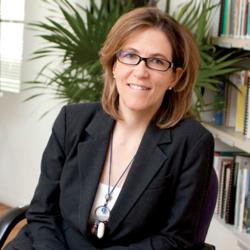 headshot of Dr. Vanessa Pérez-Cirera