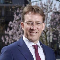 Headshot of Lucian Peppelenbos