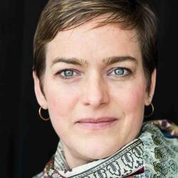 headshot of Ruth Richardson