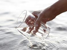 Gpn258282 fresh water %28c%29 istockphoto.com wwf canada