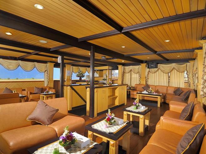 sea safari 8 travel lounge