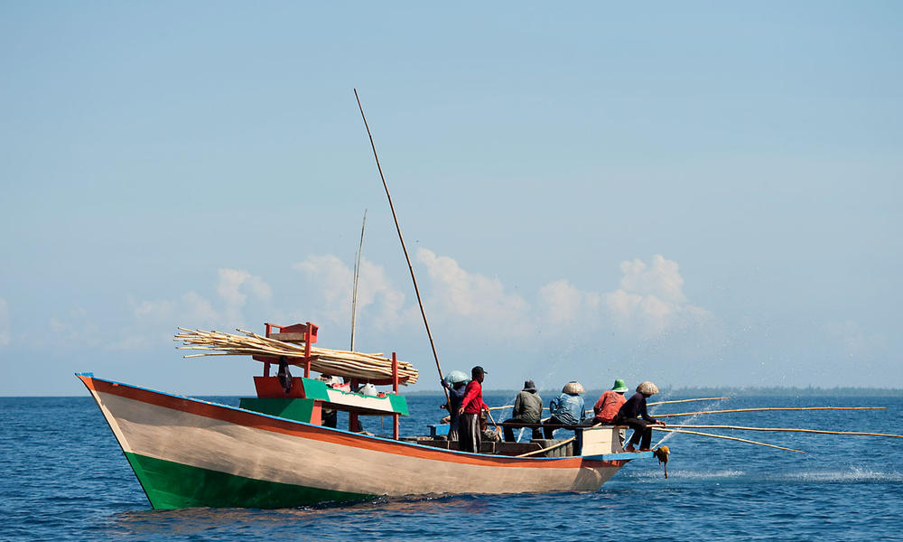 skipjack tuna boat and fishermen