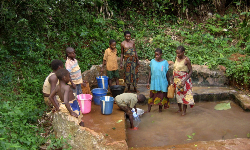 cameroon washing clothes