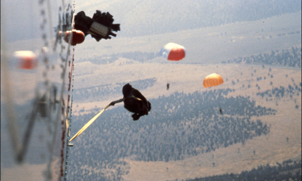 smoke jumpers parachuting down
